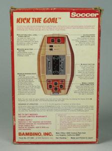 Traseira da caixa, com as instruções de uso.